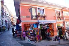 Kreuzung Calle Sagarnaga und Illampu (Illampu ist ein dreigipfliger 6000er nahe bei La Paz)