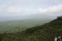 Im Abstieg hatten wir auf einmal wieder Sicht auf die Insel, der Volcán Maderas im Hintergrund