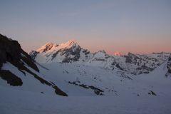 Sonnenuntergang an den Gipfeln - Altels - Balmhorn und Rinderhon / Hinten das Bietschhorn