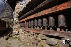 ein Ort der Gebete - wenn man die Gebetsmühlen dreht, werden die Inschriften aktiviert und das gute Karma angehäuft.
