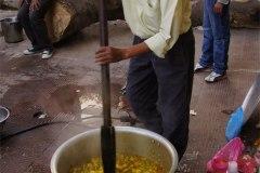 Der Chefkoch ist sich gewohnt für 1000 und mehr Leute zu kochen, wie uns gesagt wurde...