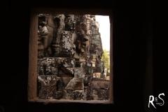 Das hier ist ein kleiner Tempel im Tempel, wo heute Räucherstäbchen brennen und wo man für sein eigenes Glück auch eines anzünden darf.