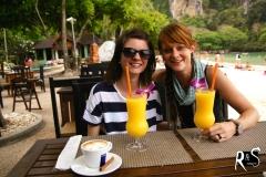 ein paradiesischer Mango-Jus, und wir sind beide zufrieden!