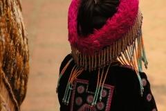 Traditionell gekleidetes Mädchen einer ethnischen Minderheit des Nordens