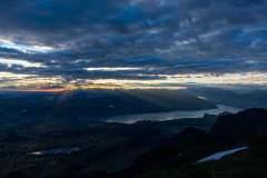 Thunersee im ersten Morgenlicht