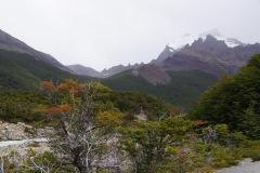 ..die Torres hinter dichten Wolken versteckt..