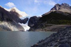 Glaciar und Laguna Los Perron direkt hinter der riesigen Moräne des Camps