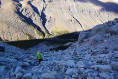 wieder im Abstieg Richtung das im Wald liegende Campamento Torres