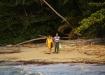 auch die Bewohner Cahuitas geniessen den Strand