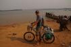 Endlich!! Der Mekong versperrt uns die Weiterfahrt - Stung Treng, unser Tagesziel liegt am anderen Ufer!