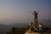 Ausblick zwischen Namphay und Vieng Kham - leider verschleiern Dunst und Rauch zu dieser Jahreszeit die Umrisse der Berge - 1. Bergpreis an diesem Tag gewonnen!