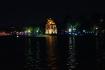 Hoan KIem Lake - ein wichtiger Ort für die Hanoier. Morgens und abends wird hier gejoggt, geturnt, Liebespaare, Familien und ältere Menschen verbringen hier ihre Freizeit...