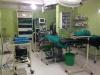 Operationssaal - hier habe ich bei einer Blinddarmoperation zugesehen, welche mit Vorbereitung, Spinalanästhesie und Operation 40 Minuten gedauert hat!!