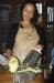 Kalpana beim Gemüse schneiden für die Momo-Teigtaschen