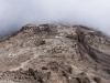Bereits sind wir im Barafu Camp angekommen - hier steigen wir allerdings am späten Nachmittag weiter auf (ohne Guide) - das machen um uns besser zu akklimatisieren. Das Barafu Camp liegt auf 4600m ü.M. Am Tag danach gehen wir ins letzte Camp - ins Crater Camp auf 5700m ü.M.