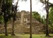 Nochmals einen Rückblick zum High Temple bevor's weiter geht durch den Ballspielplatz zum Jaguartempel