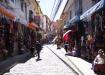 Calle Illampu, wo sich unser Hostel befindet und wo v.a. viel Alpaca-Stoff und andere Souvenirs gekauft werden können
