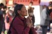Buddhistin vor dem Jokhang-Tempel