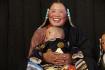 Nach anfänglichem Antasten zeigen die Tibeter gewöhnlich keine Berührungsängste!