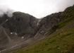 Hier geht's rechts hoch, nach dem Felsübergang geht's auf den Lötschengletscher. Der Übergang ist weiss-blau-weiss markiert und beinhaltet keine Gefahren.