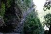 Erste Steinplattenstufen des Handelweges, bis vor nicht all zu langer Zeit noch als Verbindung zwischen Tibet und Nepal genutzt.