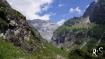 unser Tagesziel bereits in Sicht: die Hüfihütte auf der grünen Bergflanke rechts oben...
