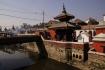UNESCO-Weltkulturerbe Pashupatinath am heiligen Fluss Bagmati