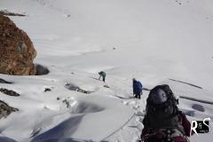 Der überaus steile Abstieg auf dem Gletscher zwischen Egghorn und SIgnalhorn auf den Ochsentaler Gletscher