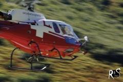 Dieser Helikopter rettete nicht einen Menschen, nein, er brachte einen frisch geschossenen Hirsch vom Berge runter... =(