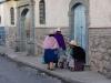 Streetlife in Potosi - Frauen in traditioneller Kleidung