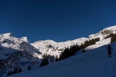 Aufstieg zum Grindelgrat, hinten Bandspitz, Schwarzhorn und Wildgärst (v.l.n.r)