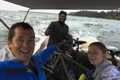 die Abkürzung by boat mit Pria..