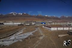 Eine der raren Siedlungen in Norden Tibets