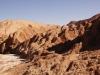 vom Regen geformte Hügellandschaft aus Salz, Kalk und Sand