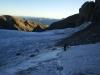 Auf dem Chilchligletscher - zuerst passiert man den Gletscher, danach quert man ein Steinband und gelangt so auf den Glacier de Ténéhet (dann im Kanton Wallis)