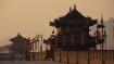 ..auf der mächtigen Stadtmauer Xian's unterwegs..