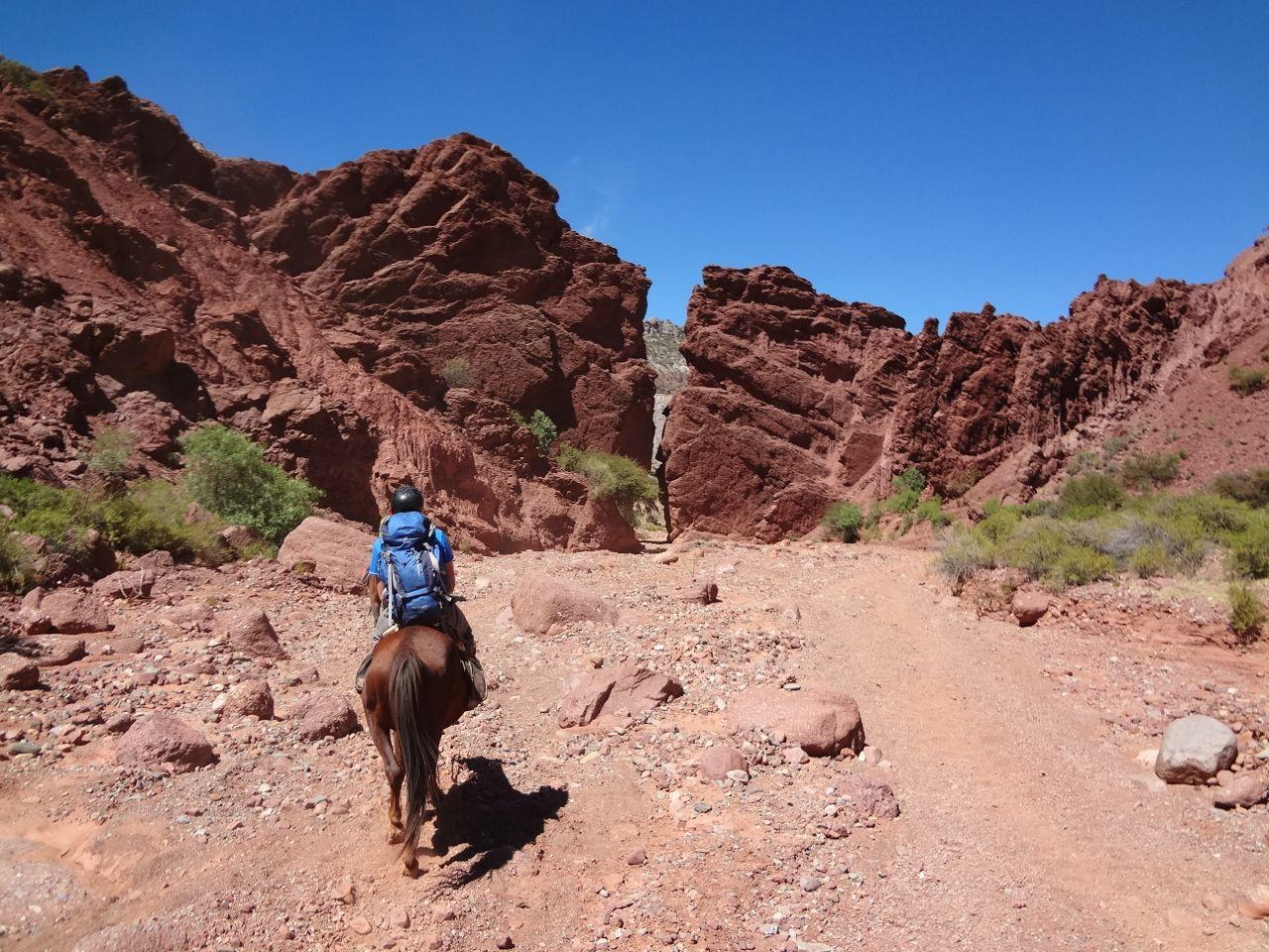 <strong>Zu Pferd (Nochero) auf dem Weg in Richtung Puerta del Diablo</strong>