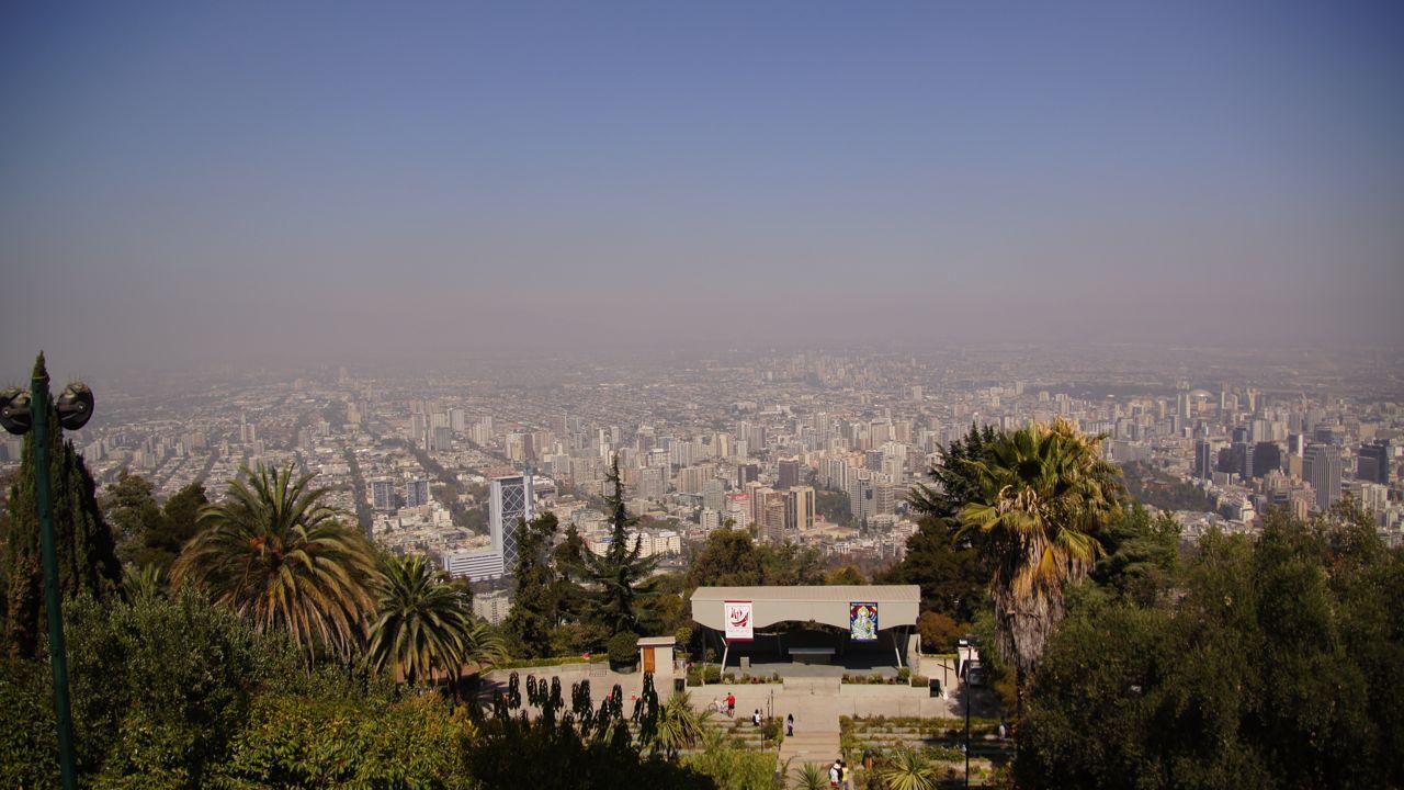 Aussicht vom Cerro San Cristóbal (rund 300m über der Stadt gelegen).