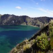 eine wilde Landschaft um den Volcán Quilotoa