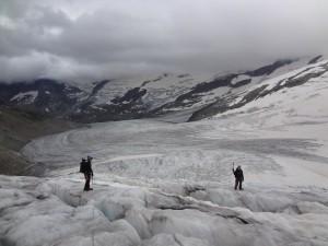 Andrea & Fabio unterwegs im Labyrinth des Gauli-Gletschers