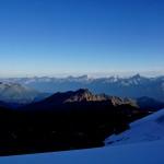 Sicht in die Berner Alpen (Wildhorn - Blüemlisalp)
