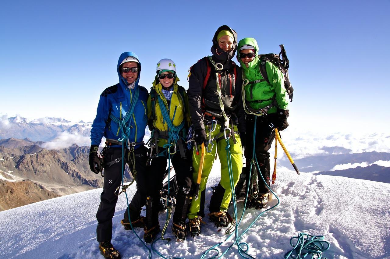Gipfelfoto auf dem Brunegghorn