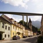 Schottwien und seine übergrosse Autobahnbrücke - ein die Landschaft prägendes Bild, nicht?