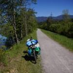 Wir gelangen in Villach um die Mittagszeit an die Drau, die uns bis zum nächsten Campingplatz in Obervellach begleitet.