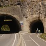 Extra ein Velo-Tunnel - später in der Schweiz werden wir davon nur träumen können!