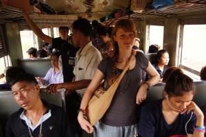 im 3. Klasse-Zug von Bangkok nach Aranyaprathet