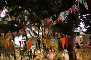 vorbereitet für das grosse Neujahrsfest - Übergang ins Jahr 2558 steht bevor!