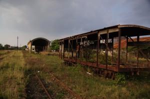 Überreste der kambodschanischen Bahninfrastruktur in Battambang