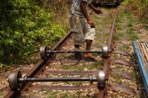 Bamboo-Train: zwei sauschwere mobile Achsen..