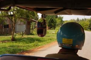 unterwegs by Tuktuk - den anständigen Fahrtwind geniessend!